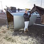 Paard Blackie loopt over de A4bij Hoofddorp na verkeersongeval
