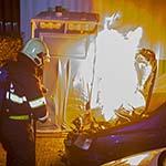 Autobrand aan het Mierikshof in Haarlem