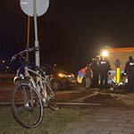 Fietser gewond na aanrijding met auto op de Rijksweg