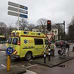 Vrouw lelijk gewond na val van fiets Kennemerplein