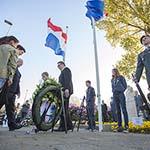 Dodenherdenking 4 mei 2013 op de Jan Gijzenbrug in Haarlem