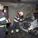 Bestelbus in de brand gevlogen aan de Engelenburg in Haarlem