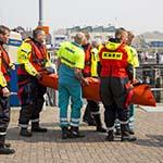 Vliegtuigje neergestort bij Egmond aan Zee, inzittende met KNRM naar IJmuiden