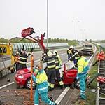 Man die hulp wil bieden bij pech wordt aangereden door auto in Hoofddorp