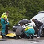 Man gewond na aanrijding met auto op de Mr Jan Gerritszlaan