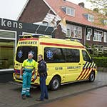 Bromfietser lelijk ten val door gladheid in Haarlem-Noord
