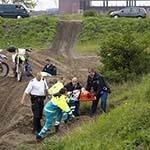 Twee gewonden bij botsing tussen crossmotoren in IJmuiden