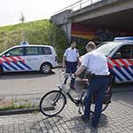 Vrouw gewond na val van fiets op de Stastok in Haarlem
