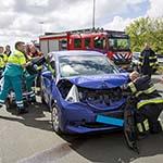 Twee gewonden bij aanrijding tussen drie voertuigen op de A200