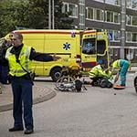 Bejaarde man aangereden op rotonde Hagelingerweg in Santpoort-Noord