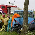Man ernstig gewond na eenzijdige aanrijding tegen boom op A22