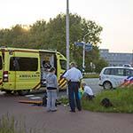 Man gewond na aanrijding met auto op de Pontweg in Velsen-Noord