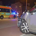 Scooterrijdster gewond na aanrijding met auto op de Hagelingerweg