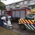 Scooterrijder gewond na aanrijding met auto in de Jac van Looystraat