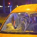 Fietser gewond na aanrijding met auto op de Prins Bernardlaan
