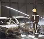 Zeer grote brand bij autobedrijf aan de Grote Krocht in Zaandam