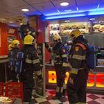 Brandweer in actie om smeulend bord bij de Burger King
