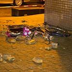 Bakstenen naar beneden gevallen door hevige storm in Zandvoort