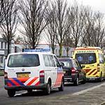 Fietser aangereden door auto op de Oudeweg in de Waarderpolder