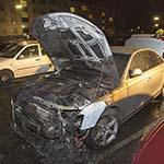 Autobrand in de Van Loghemstraat in Haarlem