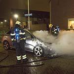 Autobrand in de Ko van Dijkstraat in Haarlem