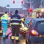 Twee gewonden bij kop-staart aanrijding op de Amerikaweg in Haarlem