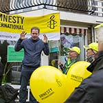 Erik van Muiswinkel opent collecteweek Amnesty International