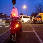Snorscooter aangereden op de Jan Gijzenkade in Haarlem