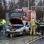 Twee gewonden bij kop-staart aanrijding op de Amsterdamseweg