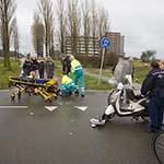 Meisje gewond na botsing tegen auto op de Dijkzichtlaan in Haarlem