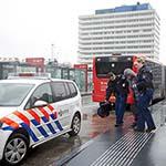 Scootmobiel botst tegen R-Net bus op de Azieweg in Haarlem