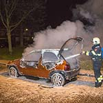 Auto volledig uitgebrand aan het Julianaplein in Heemstede