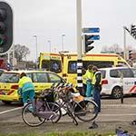 Meisje gewond bij frontale botsing tussen fiets en scooter