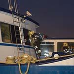 Brand op boot aan de Spaarndamseweg in Haarlem