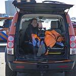 Hulpdiensten in actie voor in problemen geraakte kitesurfer