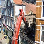 Monumentaal pand centrum Haarlem deels gesloopt na grote brand