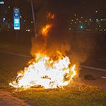 Scooter vliegt in de brand bij ernstig verkeersongeval in Haarlem